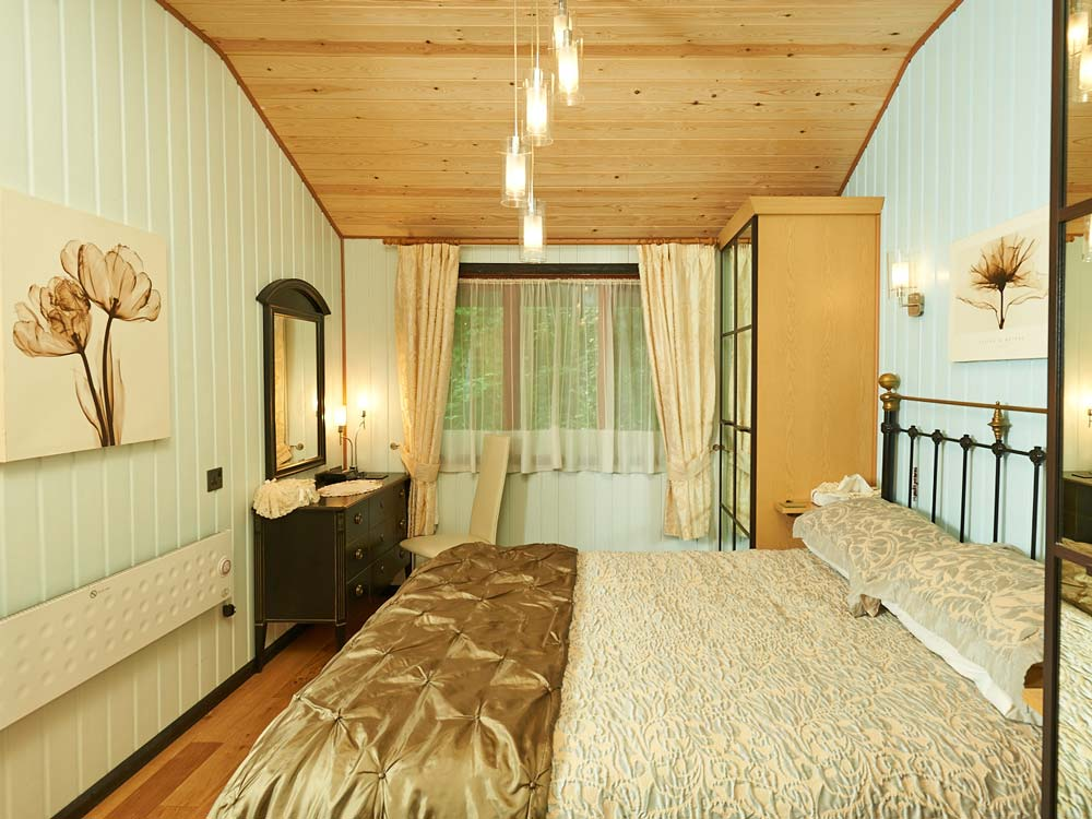 Holly Lodge Bedroom