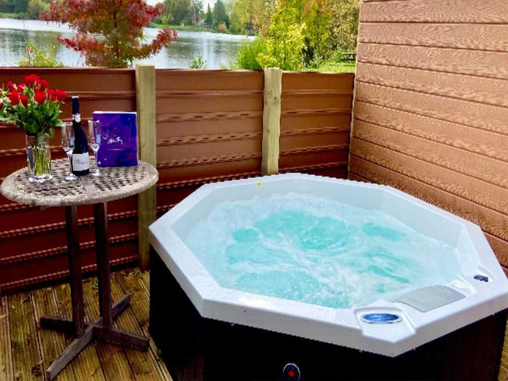 Oak Lodges Hot Tubs