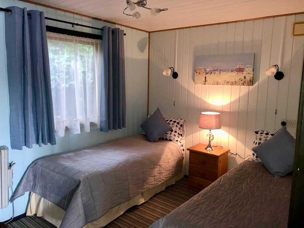 Maple Lodge Twin Bedroom