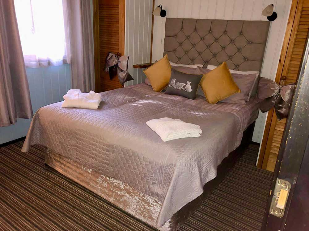 Maple Lodge Bedroom