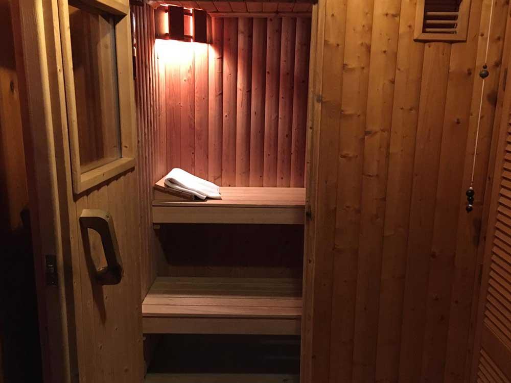 Maple Lodge Sauna